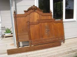 comment relooker une cuisine ancienne repeindre un lit en bois avec comment relooker une cuisine ancienne
