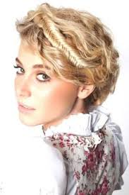 Wiesn Kurzhaarfrisuren Anleitung by Best 25 Dirndl Frisuren Kurze Haare Ideas On Frisur