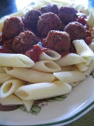 la cuisine des desperate boulettes de viande et pâtes à la sauce tomate maison la