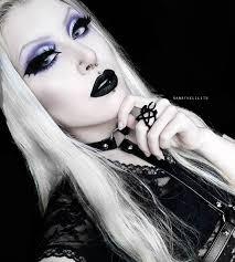 bat eyeliner trend popsugar beauty
