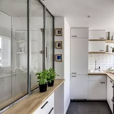 cuisine atelier d artiste cuisine avec verrière côté maison
