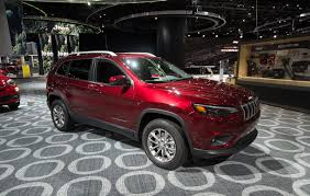 turbo jeep cherokee refreshed 2019 jeep cherokee is no longer ugly and gets new turbo