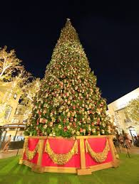 the grove kicked off the holiday festivities with their christmas