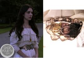 reign cw show hair weave beads reign fashion outfits clothing and wardrobe on the cw s