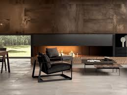 cheminee moderne design habillage de cheminée contemporaine en carrelage aspect métal brun