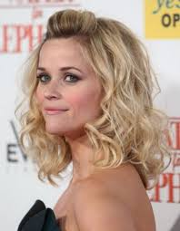 loose curled hairstyle 60 curly hairstyles to look youthful yet
