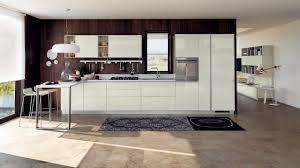 cuisine blanche mur framboise 30 idées et conseils utiles pour la cuisine blanche moderne