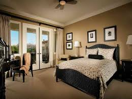 Master Bedroom Furniture Arrangement Ideas Photos And Video - Bedroom furniture arrangement ideas