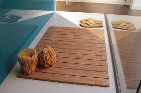 pedana legno pedane doccia su misura e antiscivolo realizzate in legno multistrato