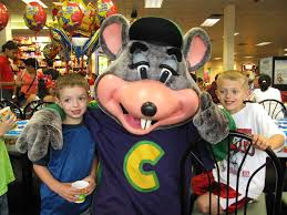 chuck e cheese halloween costume where a kid can be a maniac cookies and cups