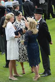 fergie can u0027t contain excitement seeing the queen at ascot daily