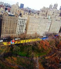 the macy s thanksgiving day parade balloons come to