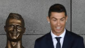 i love lucy memes cristiano ronaldo u0027s new bronze bust is turning heads the two way