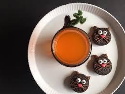 halloween tableware halloween spookysnacks u2013 oreo black cats and a fanta orange