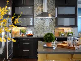 kitchen backsplash ideas black granite countertops grey metal