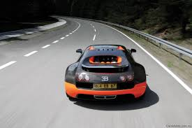 bugatti veyron supersport bugatti veyron super sport achieves 431km h record photos 1 of 18