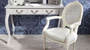 chaises medaillon chaise medaillon un classique de la déco westwing