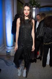 halloween city kendall kristen stewart changed her shoes on the red carpet in cannes vogue