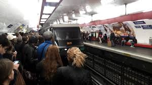 Paris Subway Paris Metro At Rush Hour Chatelet Station Youtube