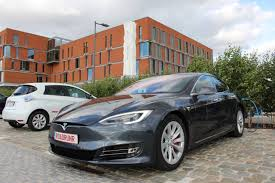 nissan leaf vs tesla the important lesson from record 560 miles in a tesla model s