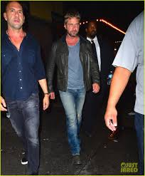 leonardo dicaprio u0026 gerard butler go clubbing in the big apple