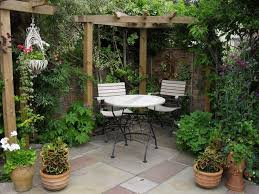 Small Walled Garden Ideas Best 25 Small Gardens Ideas On Pinterest Small Garden Design
