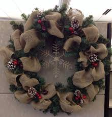 burlap christmas wreath from dilly dally wreaths check out dilly