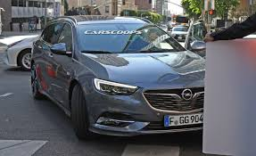 opel insignia sports tourer 2016 2017 opel insignia sport tourer also spotted without any camo