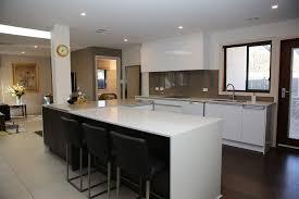 cuisine en bloc cuisine ikea beige table de cuisine bar haute cool table