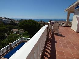 3 Bedroom 2 Bathroom 3 Bedroom 2 Bathroom Villa For Sale In Torreblanca Del Sol