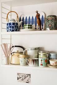 Red Kitchen Decorating Ideas by Best 25 Medium Kitchen Ideas On Pinterest I Shaped Kitchen