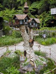 Garden Tree Types - decorate your garden with tree stumps in an amazing way
