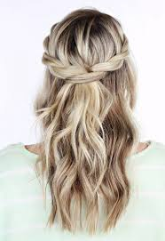 Hochsteckfrisurenen Halboffen Locken by Die Besten 25 Frisuren Halboffen Ideen Auf Haare