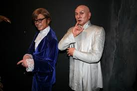 Austin Powers Halloween Costumes 6 Halloween Costumes Ghoulish Glasses Fashion U0026 Lifestyle