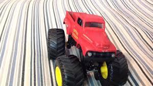 grave digger 30th anniversary monster truck toy toy 1982 grave digger review 2 youtube