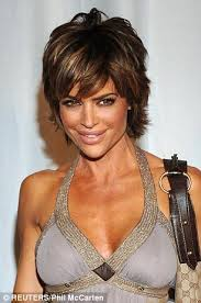 lisa renick hairstyles self confessed plastic surgery fan lisa rinna sports fuller lips