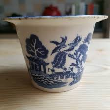 willow pattern jam pot davenport willow pattern blue and white honey meat jam pot rare