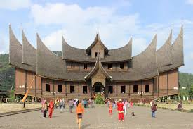 file new pagaruyung palace jpg wikimedia commons