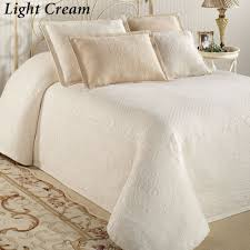 White Matelasse Coverlet Twin Bedroom Fascinating Matelasse Bedspread For Bed Covering Idea