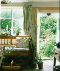English Style Home Decor Minus The Floral Curtains And Yellow Walls I Yellow As A