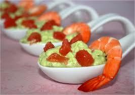 comment cuisiner des crevettes roses cuillères apéritives à l avocat crevette et plemousse
