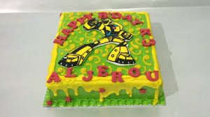 transformers cake decorations transformers cake bumblebee how to make