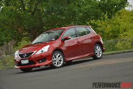nissan pulsar sportback 2014 nissan pulsar sss review video performancedrive