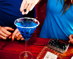 martini hawaiian make a blue mermaid martini martinis mermaid and blue curacao
