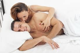 ver imagenes atrevidas de hombres 5 cosas que los hombres quieren en la cama vix
