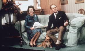 queen elizabeth dog queen elizabeth and her corgis 11 facts to know hello us