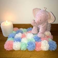 chambre bebe pastel tapis en pompons de chambre d enfant de bébé pastel