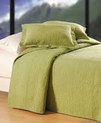 Solid Color Quilts And Coverlets 50 Best Bedding Ideas Images On Pinterest Bedding Quilt Bedding