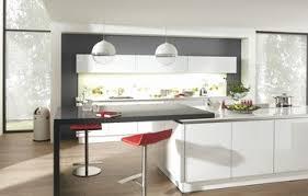 modele cuisine equipee italienne grande table de salle à manger design avec deco cuisine équipée