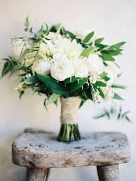 white wedding bouquets white wedding flowers best 25 white wedding flowers ideas on